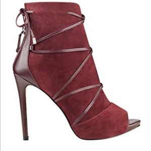Guess Strappy peep-toe heels